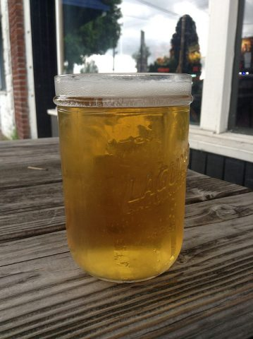 Everybody's Brewing Green Ice Pils